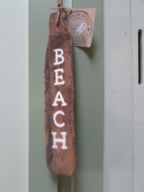Beach op drijfhout 32 cm