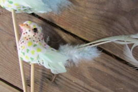 Vogeltje op steker groen per 2