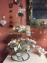 kerstboom met kransen (alleen afhalen)