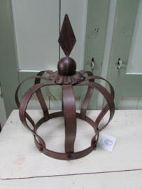 Kroon van metaal, roest/bruin 30 cm hoog