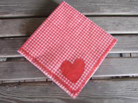 Servet,  rood geruit met hartje