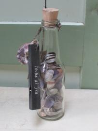 Flesje met schelpjes (blauw tinten) 17 cm hoog
