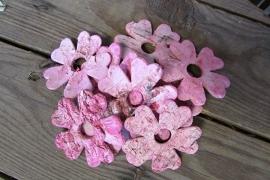 Bloemetjes van schors roze per 15