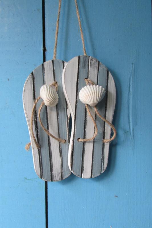 Slippers met schelpje 12 cm