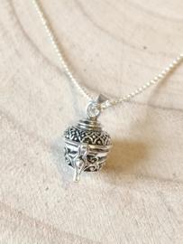 Ashanger box, ashanger bewerkt zilver