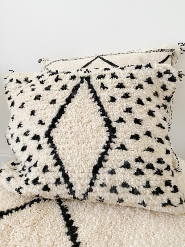 Beni Dot Cushion