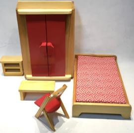 siso poppenmeubeltjes hout , jaren 70