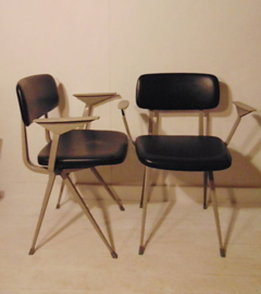 RESULT-chair-Ahrend-De-Cirkel-designed-in-1958-by-Friso-KRAMER-amp-Wim-RIETFELD