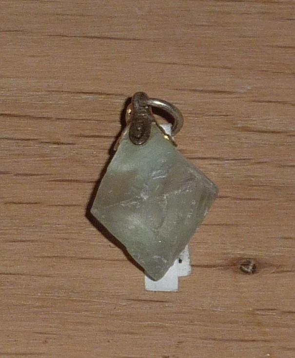 Fluoriet hanger kubus
