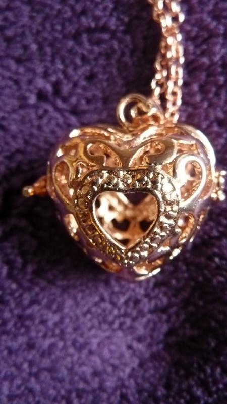 Engelenroeper rose goud hartvorm met opening