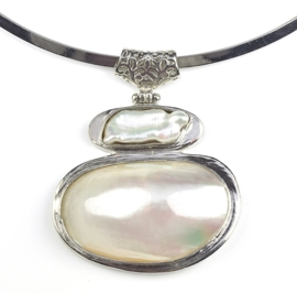 Zoetwater parelketting Biwa Shell