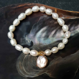 Zoetwater  parel armband Golden Pearl Coin