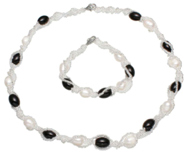 Zoetwater parelketting set met armband Twine Pearl Black Glass