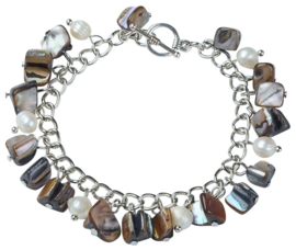 Zoetwaterparel en parelmoeren armband Pearl Grey Shell Chip