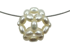 Zoetwater parelketting White Ball