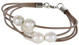 Zoetwater parel armband Leather Pearl White