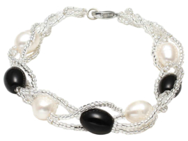 Zoetwater parel armband Twine Pearl Black Glass