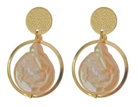 Zoetwater parel oorbellen Flow Peach Coin Gold Pearl