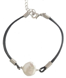 Zoetwater parel armband White Coin Leather