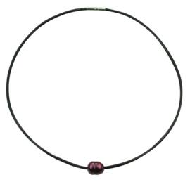 Zoetwater parelketting Black Leather Pearl Red