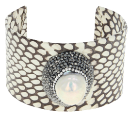 Zoetwater parel armband Bright One Big Pearl Creme Leather