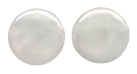 Zoetwater parel oorbellen Big White Coin Pearl