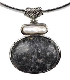 Zoetwater parelketting met edelsteen Biwa Black Gemstone