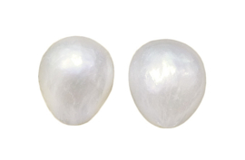 Zoetwater parel oorbellen Small White Baroque Pearl