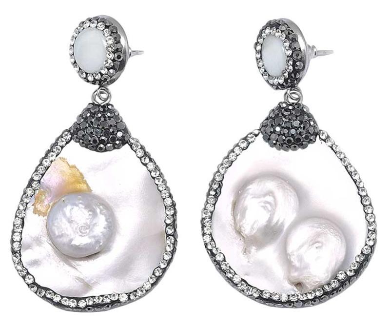 Zoetwater parel en parelmoeren oorbellen Bright Shell Pearl Big Teardrop