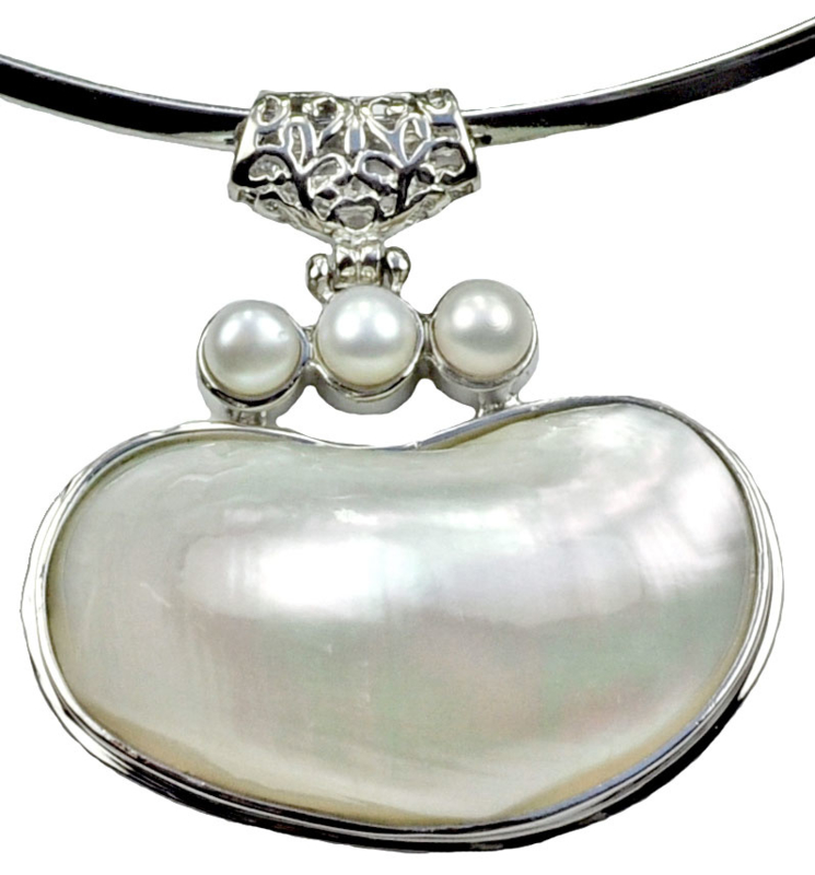 Zoetwater parelketting Three Pearl Shell