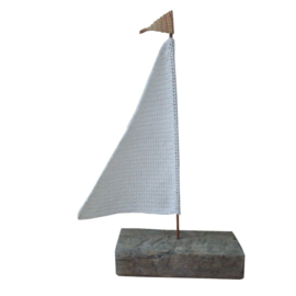 Haakpatroon nr. 89 zeilbootje van (drijf)hout