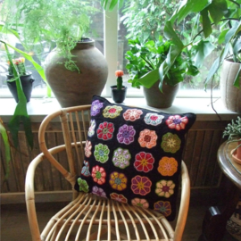 Haakpakket nr. 60 kussen granny square flower
