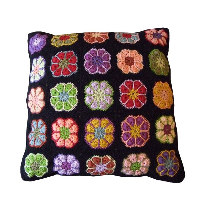 Haakpatroon nr. 60 kussen granny-square-flower