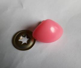 Driehoek neus Roze 24mm met metalen achterkant