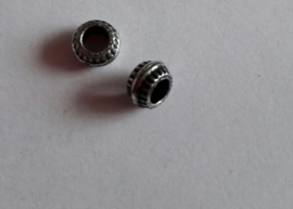 Metallook kraal Ring bewerkt klein bewerkt , ca 6mm
