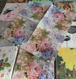 servet  111- Romantiek bloemen