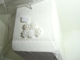 Flatback's met bolletjes, 0.9 cm in zakje voor 0,20 euro. ecru