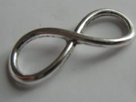 Infinity teken ca 30x 12 mm. Zilverkleurig