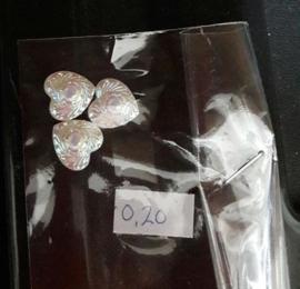 Flatback's hartjes, 3 stuks in zakje voor 0,20 euro. Creme
