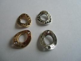 Ringen- 18 x 16 mm. Oud goud- of Oud zilverkleurig