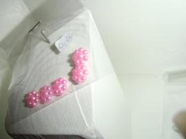 Flatback's met bolletjes, 0.9 cm, 4 in zakje voor 0,20 euro. lichtroze
