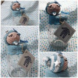 Glazenpot 450 cl Met babydeksel handgemaakt. Leuk verpakking voor uw kadootje, geld, rompertje, snoep, kadobon of kleertjes.