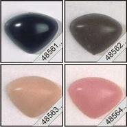Veiligheidsneus  Driehoek zwart, roze of bruin met metalen ring.  15 mm