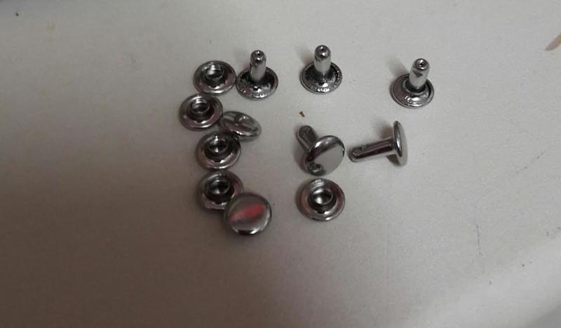 Leerspijker, 8mm zilverkleurig