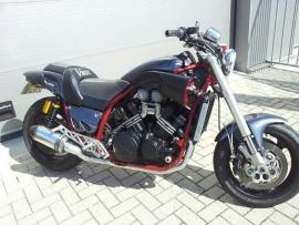 motor te koop: Yamaha V-max 1200 CustomSpecial I