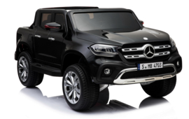Mercedes X-Class black paint     MP4     18-2-2020