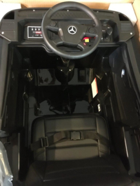 Mercedes Actros, zwart, Wide screen Multimedia, 4WD, FM radio, 2x12V7ah accu, leder, RC (ActrosZW)