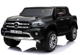 XMX-606  mercedes X-class black paint mp4    arrival date still pending
