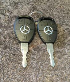 Mercedes Benz sleutelset. past op alle MB contactsloten