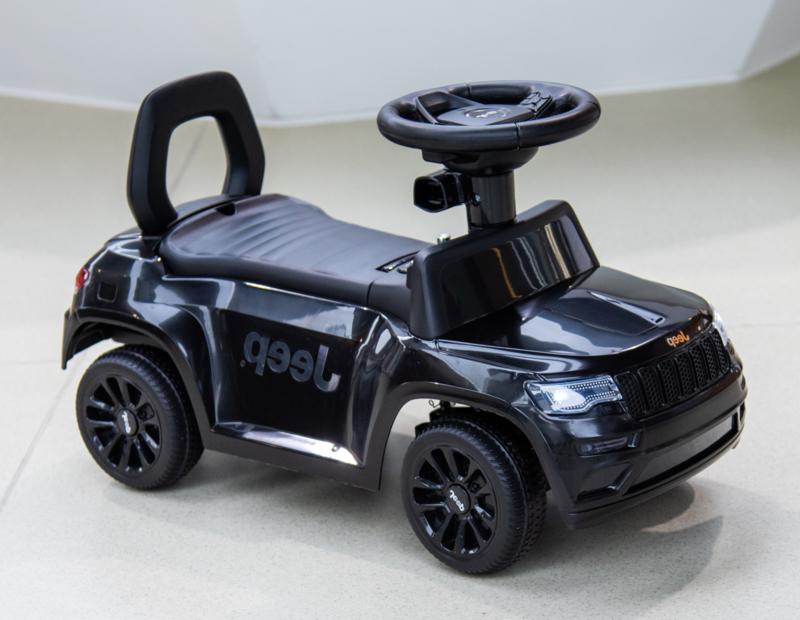 JEEP Grand Cherokee, loopauto zwart, met toeter en diverse geluiden. (JQ606zw)